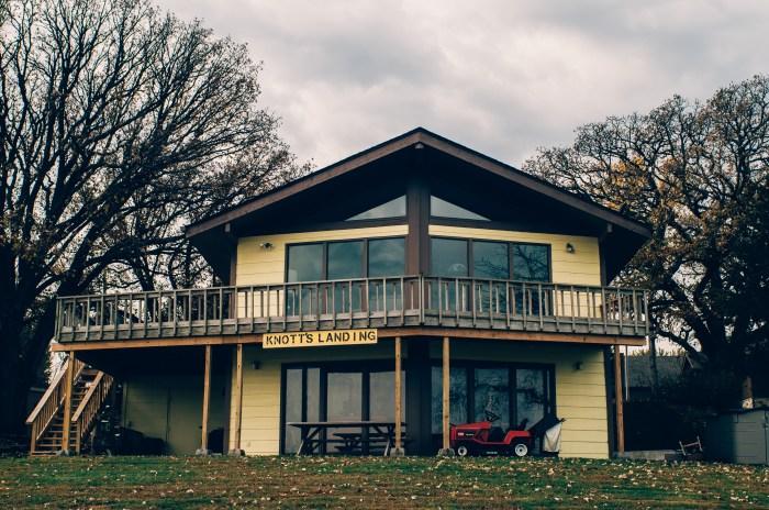 the-beaver-lake-house_15033444004_o.jpg