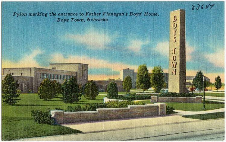 Pylon_marking_the_entrance_to_Father_Flanagan's_Boys'_Home,_Boys_Town,_Nebraska_(83647)