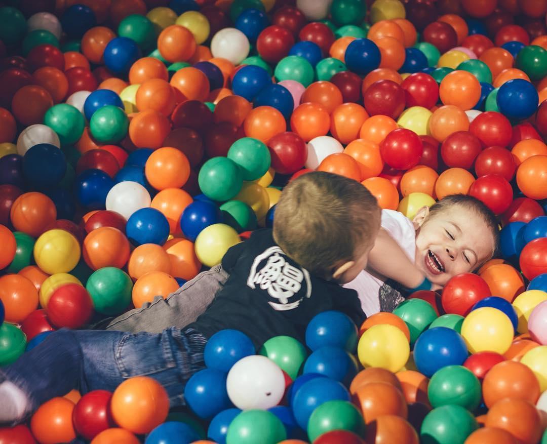 ball-boys--micahandezra-childhoodunplugged_25545221906_o.jpg