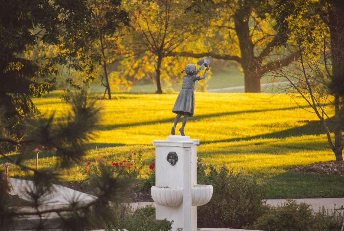 hope-statue_29840155036_o.jpg