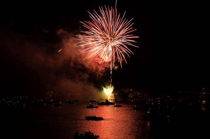 fireworks-at-beaver-lake_27478277803_o.jpg